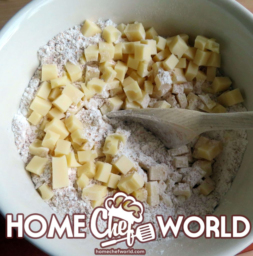 mix dry ingredients for apple loaf