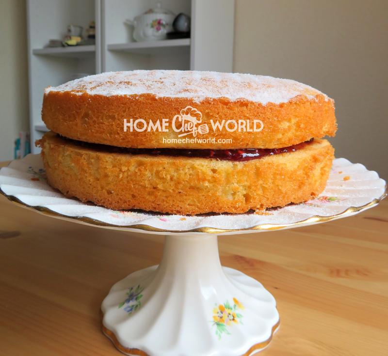 Victoria Sandwich Cake cover presentation