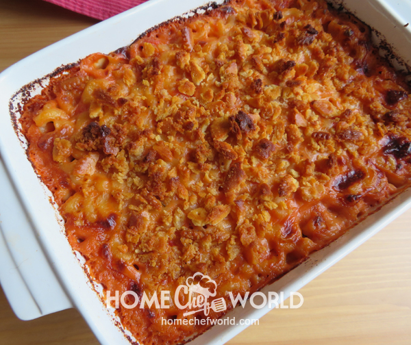 Fresh out of Oven Macaroni & Cheese with Tomatoes